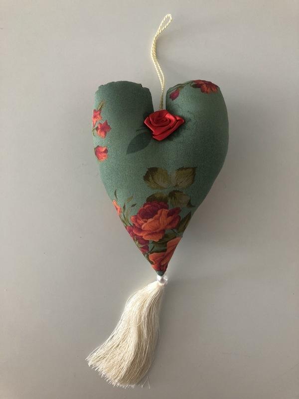 Coração pendente perfumado