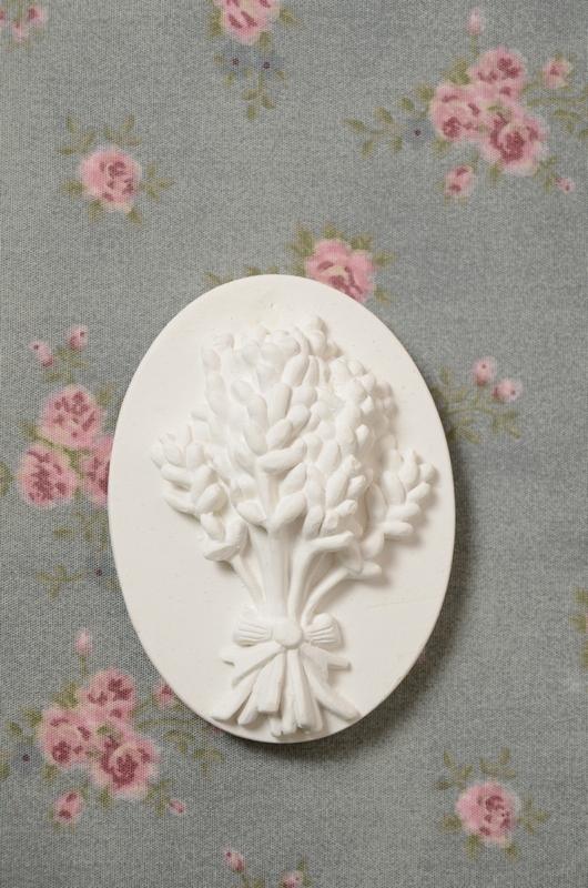 Medalhão pequeno Lavanda e Flores