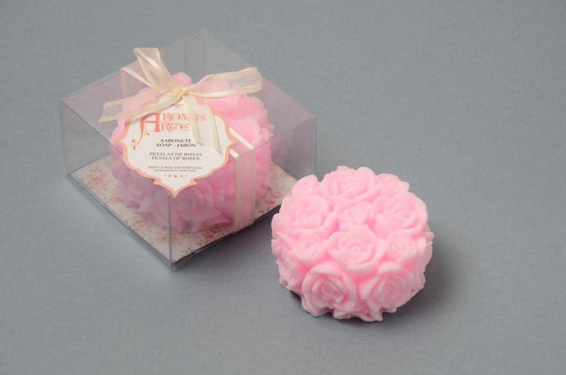 Redondo  com rosas esculpidas rosa