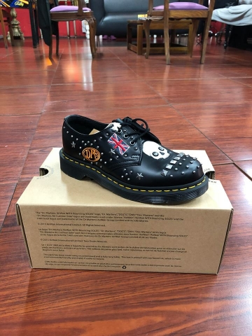 Dr.Martens, Sapato, Core applique black smooth